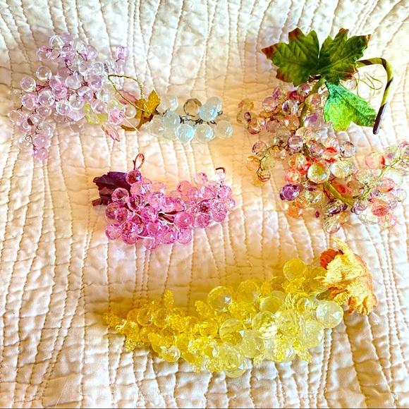 Vintage acrylic grapes bundle faceted